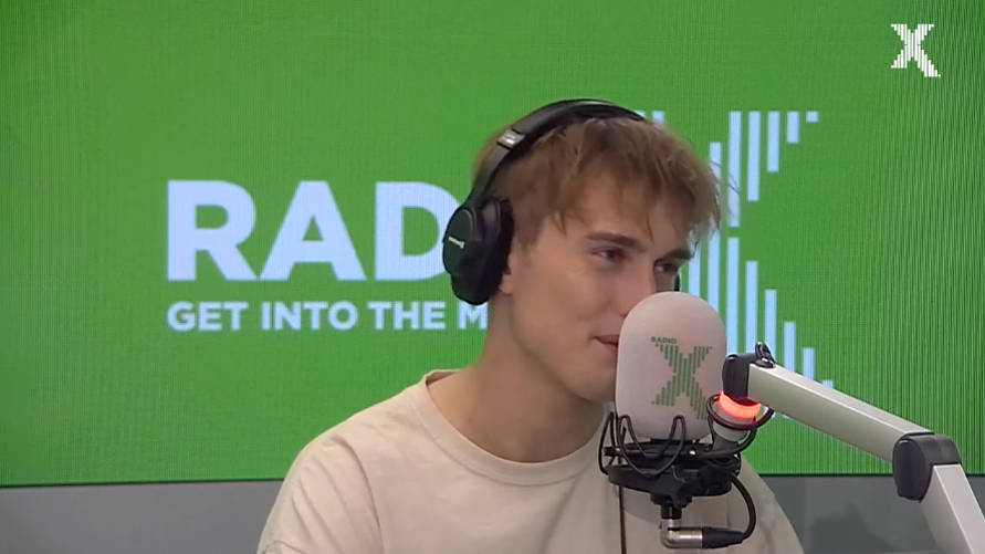 WATCH: Sam Fender describes his engineer's gory trampoline accident