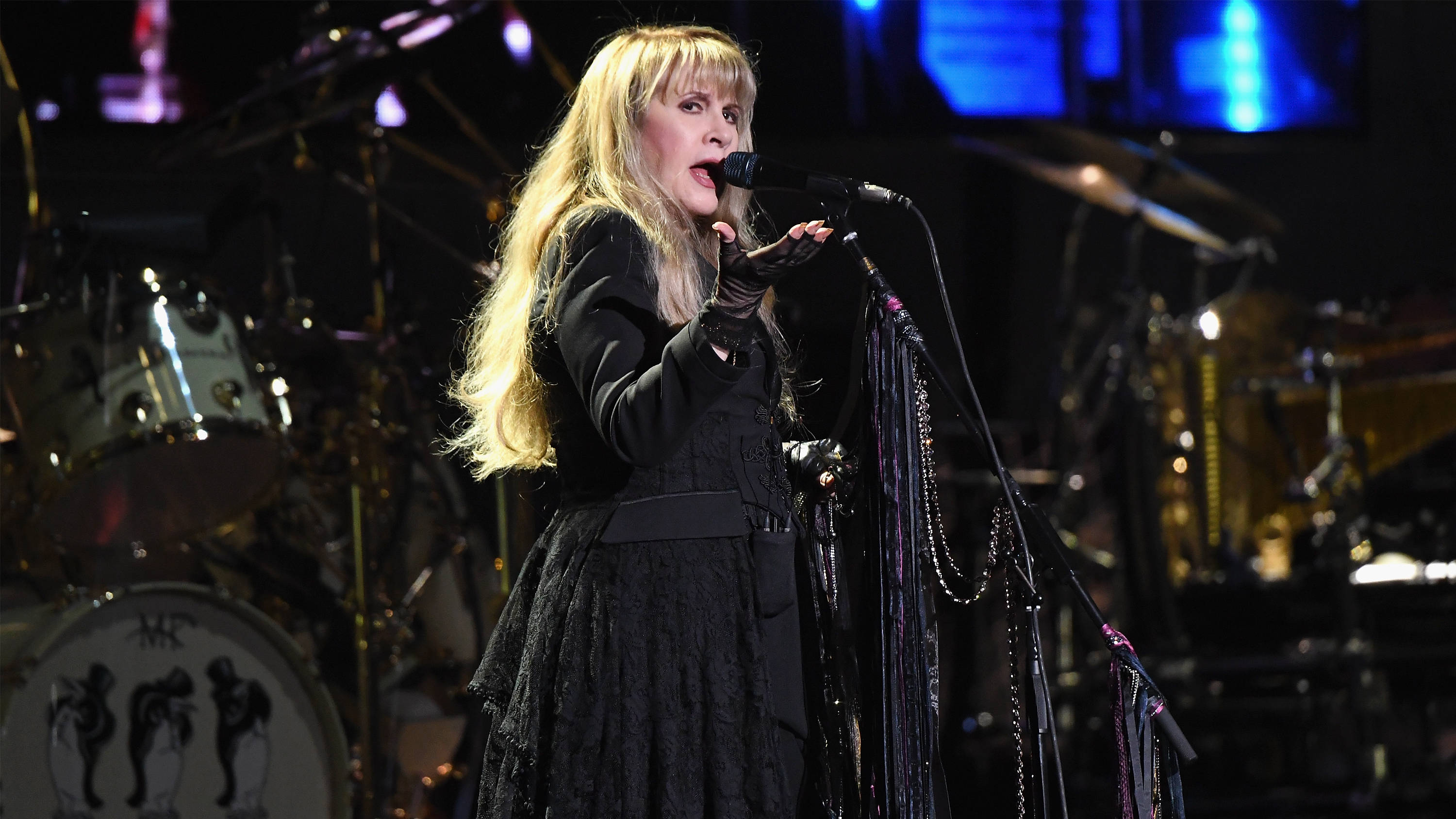 How much does it cost to see Fleetwood Mac live?