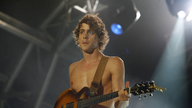 Johnny Borrell onstage at V2006 festival