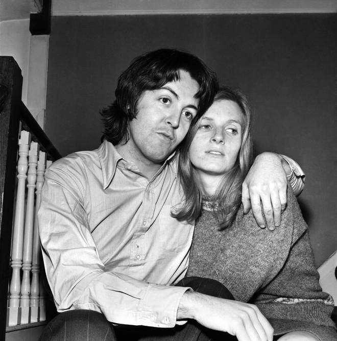 Beatles singer Paul McCartney with his new bride Linda Eastman March 1969 Z02640